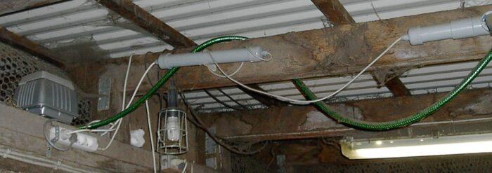 Ozongeneratoren i loft til havedam